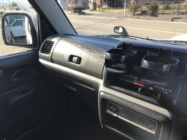 XC 軽自動車 4WD シルバー 5MT 16インチアルミ(15枚目)