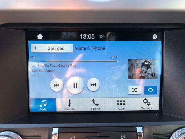 センターにタッチパネル搭載!Bluetooth搭載!