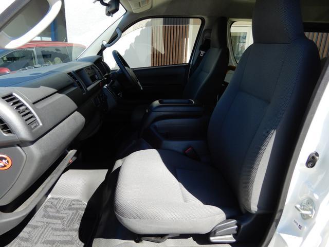 DX 4WD 10人乗り ワンオーナー 電動格納ステップ(12枚目)