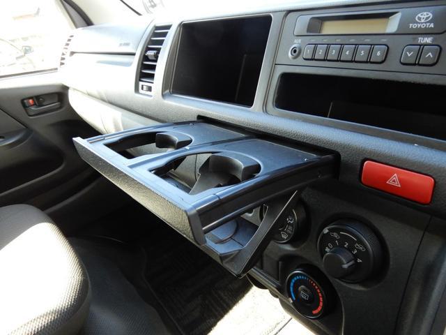 DX 4WD 10人乗り ワンオーナー 電動格納ステップ(21枚目)