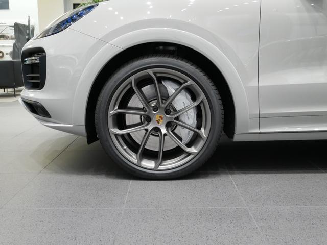 ターボ ティプトロニックS 4WD ライトウェイトSPKG (18枚目)