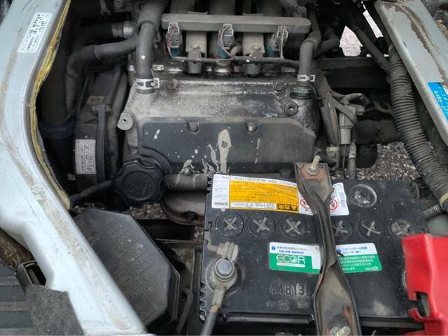 4WD MT シルキーシルバーメタリック 令和2年4月(19枚目)