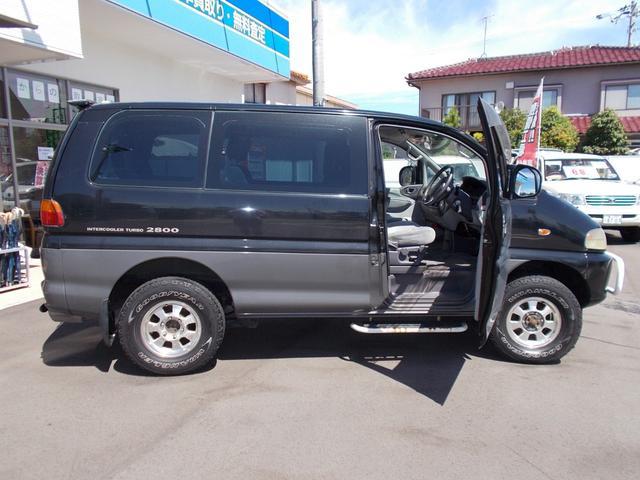 エクシードI 4WD軽油 サンルーフ フロント&サイドガード(11枚目)