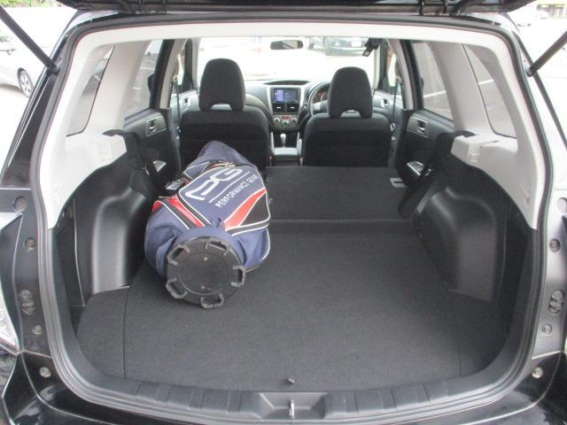 2.0XT 禁煙車 4WD ターボ 地デジSDナビ DVD ブルートゥース Bカメラ ETC 2017年製造ブリジストンタイヤ シートヒーター 電動シート クルコン スマートキー HID フォグ オートAC(35枚目)