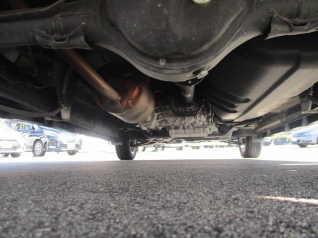 E 4WD 禁煙1オーナー 衝突軽減 地デジSDナビ ブルートゥース バックカメラ オートAC シートヒーター 左側電動ドア スマートキー&プッシュスタート オートライト フォグ HID 14インチアルミ(36枚目)