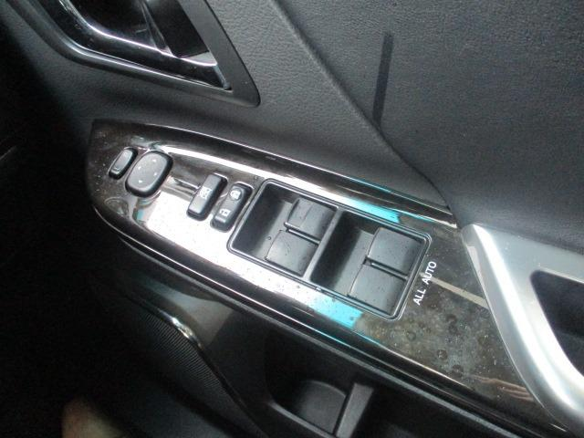 2.4Z ゴールデンアイズ 後期型 純正8型HDDナビ 地デジ フリップダウンモニター ブルートゥース バックカメラ 両側電動ドア 電動バックドア クルコン ビルトインETC ハーフレザーシート 2列目オットマン HID フォグ(35枚目)