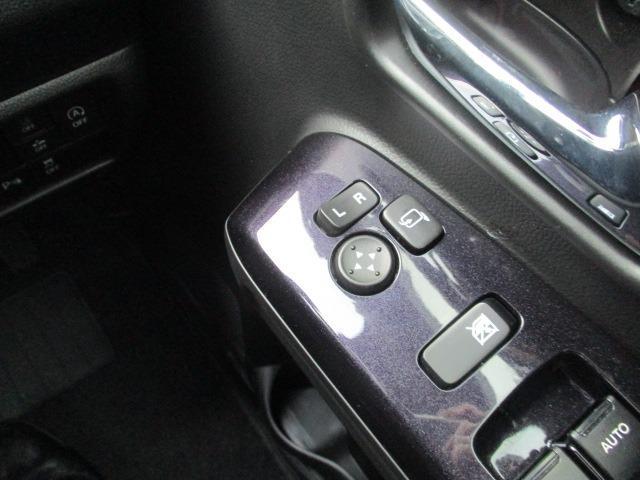 ハイブリッドX 禁煙車 衝突軽減 地デジSDナビ Bluetooth DVD再生 バックカメラ LEDライト フォグ オートライト シートヒーター コーナーセンサー スマートキー アイドリング ETC 純正アルミ(13枚目)