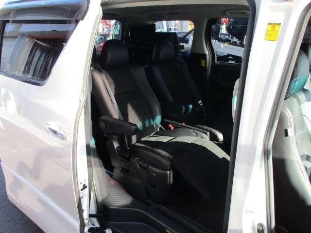 トヨタ ヴェルファイア 2.4Zゴールデンアイズ フリップDモニター 後期型