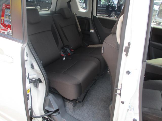 S 4WD禁煙車 Bカメラ付CD 両側自動ドア ISOFIX(15枚目)