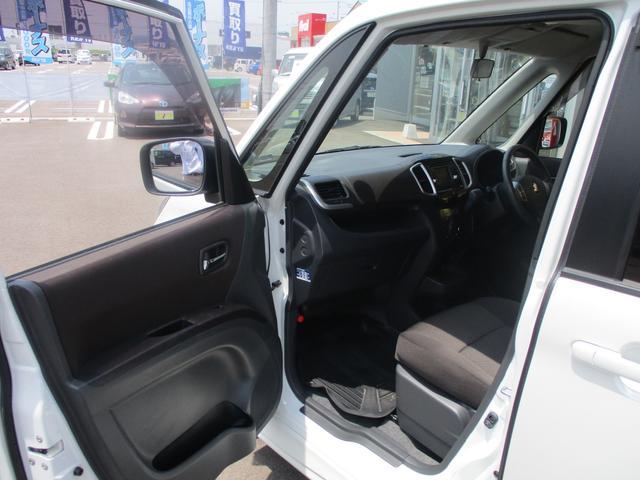 S 4WD禁煙車 Bカメラ付CD 両側自動ドア ISOFIX(16枚目)