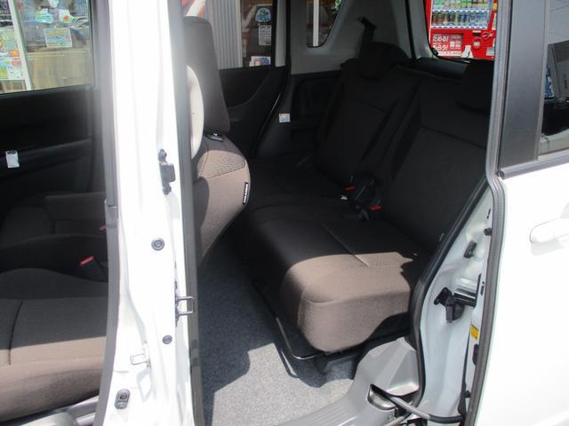 S 4WD禁煙車 Bカメラ付CD 両側自動ドア ISOFIX(19枚目)