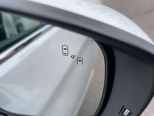 リミテッド 禁煙車-千葉県仕入-走行32498km 黒革シート 8型地デジナビ Bカメラ レーダークルコン LEDヘッドライト STIエアロ シートヒーター ETC 18インチアルミ ブラインドスポットモニター(44枚目)