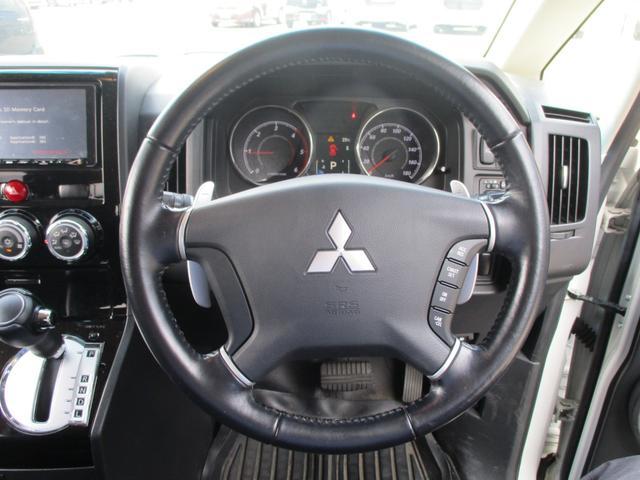 D パワーパッケージ ディーゼルターボ 4WD-東京仕入車-走行28553km 禁煙 走行28553km 7人乗り 後席モニター 両側自動ドア クルーズコントロール シートヒーター 地デジナビ Bカメラ HID 純正アルミ(28枚目)
