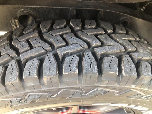 XC 4WD AT車 フル装備 キーレスエントリー 社外アルミホイール 新品タイヤ 運転席エアバッグ 助手席エアバッグ ABS ETC シートヒーター 電動格納ミラー JB23型 2インチリフトアップ(41枚目)