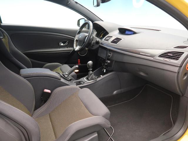 ●MTシフト:ドライバーの操作によって意図的に変えられるシステムです。より一層普段のドライブをお楽しみいただけます!