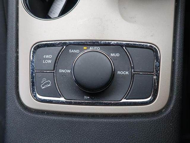 ラレード 純正ナビ フルセグ サイドカメラ バックカメラ キセノンヘッド 4WD 禁煙車(9枚目)