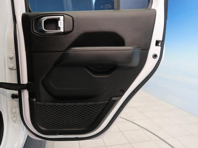 サハラ ワンオーナー 純正ナビ フルセグTV LEDヘッドライト アダプティブクルーズコントロール ブラインドスポット 衝突警報 ブラックレザー シートヒーター アルパイン9スピーカー  パークセンサー(32枚目)