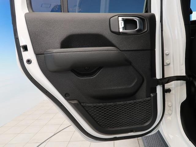 サハラ ワンオーナー 純正ナビ フルセグTV LEDヘッドライト アダプティブクルーズコントロール ブラインドスポット 衝突警報 ブラックレザー シートヒーター アルパイン9スピーカー  パークセンサー(33枚目)