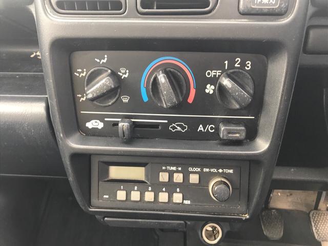 SDX 4WD AC MT 軽トラック 2名乗り ホワイト(17枚目)