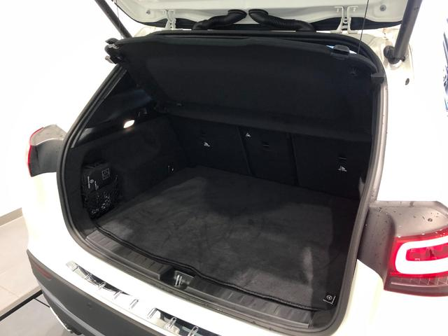 GLA200d 4マチック AMGライン レーダーセーフティパッケージ ナビゲーションパッケージ 全周囲カメラ パノラミックスライディングルーフ 19インチアルミホイール ETC 正規ディーラー認定中古車 2年保証(10枚目)