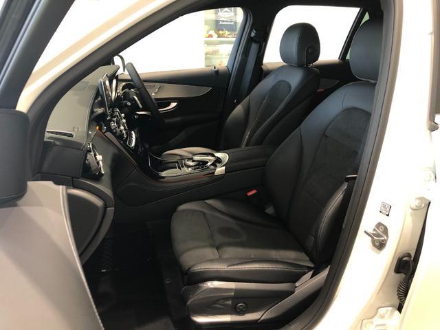 GLC220d 4マチックスポーツ レーダーセーフティパッケージ AMGスタイリングパッケージ 全周囲カメラ フルセグTV ナビ ETC 19インチアルミホイール 正規ディーラー認定中古車 2年保証(24枚目)