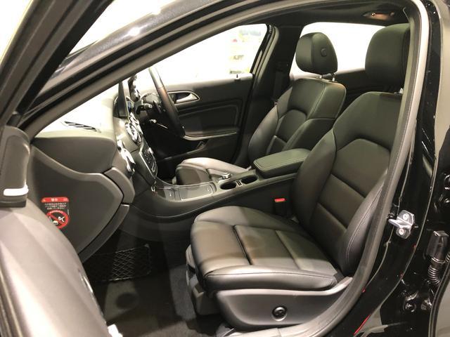 GLA220 4マチック レーダーセーフティパッケージ プレミアムパッケージ パノラミックスライディングルーフ harman/kardon 18インチアルミホイール TV ナビ ETC 正規ディーラー認定中古車 2年保証(24枚目)