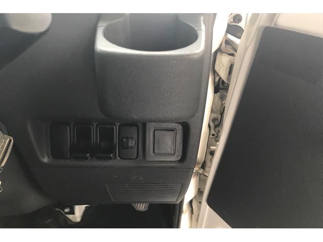 スペシャル 5速マニュアル 4WD エアコン パワステ(18枚目)