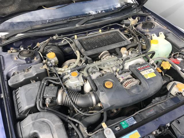 不具合等はエンジンルームで確認できる場合も多いです。コンディションのチェックや維持の面でとってもプラスです!