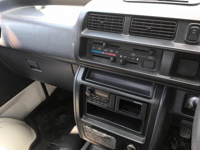 ダイハツ ハイゼットトラック 5MT 4WD