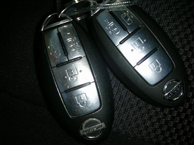 日産 セレナ ハイウェイスター地デジHDDナビ後席モニター 両側電動HID