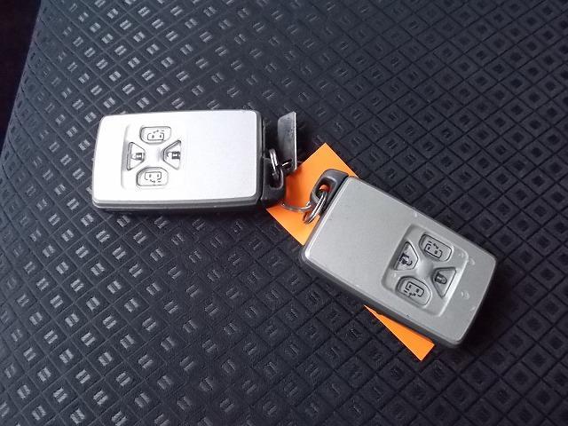 特別仕様車プラタナリミテッド地デジナビTV両側電動Pスタート(8枚目)