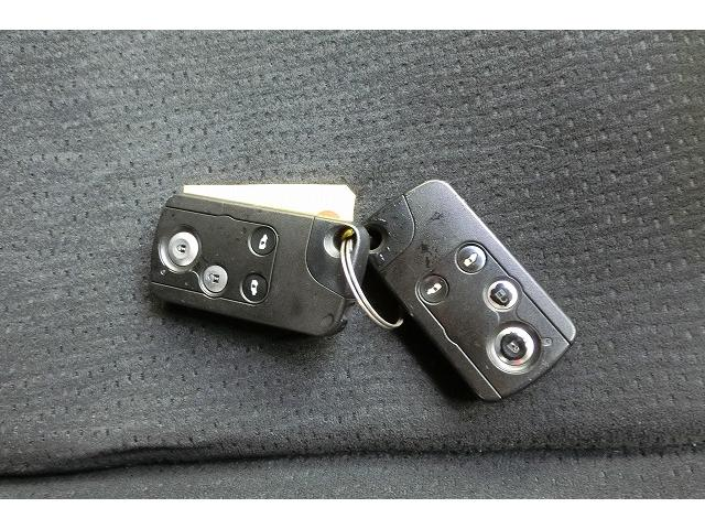 特別仕様車Gスマート地デジHDDナビTVカメラ両側電動HID(13枚目)