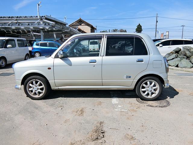 特別仕様車ミニライトスペシャル CDチューナー キーレスキー(3枚目)