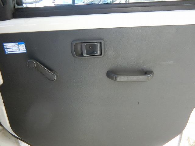 スペシャル ハイルーフ 切替式4WD オートマ 両側スライドドア CDチューナー(16枚目)