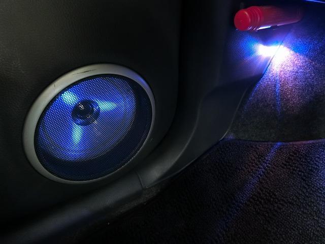 リミテッド 特別仕様車 プッシュスタート オートエアコン HIDヘッドランプ 専用イルミネーション バックカメラ付きCDチューナー ドアミラーウィンカー(18枚目)