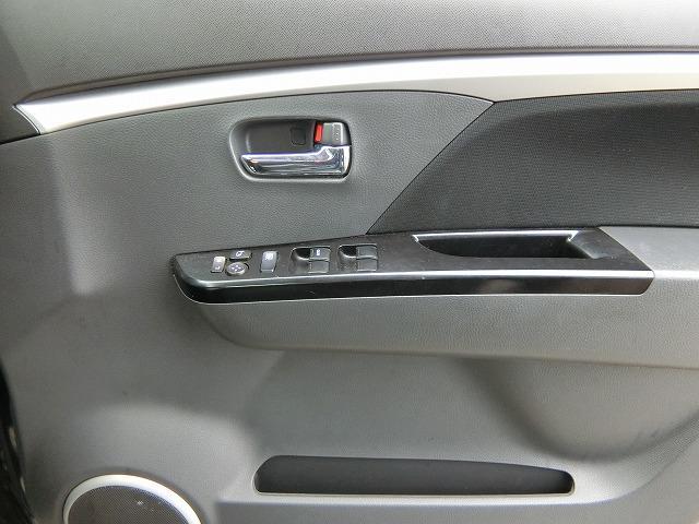 リミテッド 特別仕様車 プッシュスタート オートエアコン HIDヘッドランプ 専用イルミネーション バックカメラ付きCDチューナー ドアミラーウィンカー(19枚目)