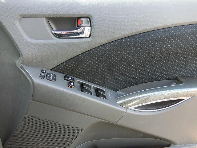 プラタナリミテッド 特別仕様車 地デジナビTV カラーバックカメラ 両側電動スライドドア HIDヘッドランプ 後席モニター(19枚目)