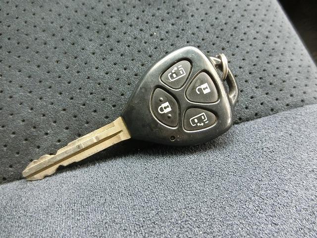両側オートスライドドア開閉機能付きキーレスキー