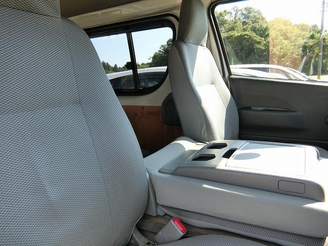 ロングDX 4WD ディーゼルターボ 地デジナビTV 4WD ディーゼルターボ 9人乗り 地デジナビTV 寒冷地仕様 タイミングベルト交換済み(7枚目)