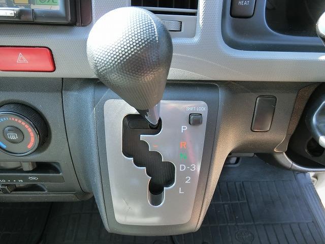 ロングDX 4WD ディーゼルターボ 地デジナビTV 4WD ディーゼルターボ 9人乗り 地デジナビTV 寒冷地仕様 タイミングベルト交換済み(11枚目)