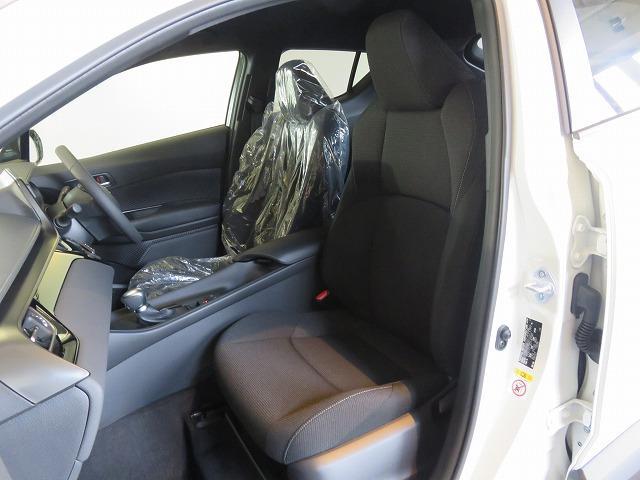トヨタ C-HR S HV 登録済未使用車 セーフティセンス
