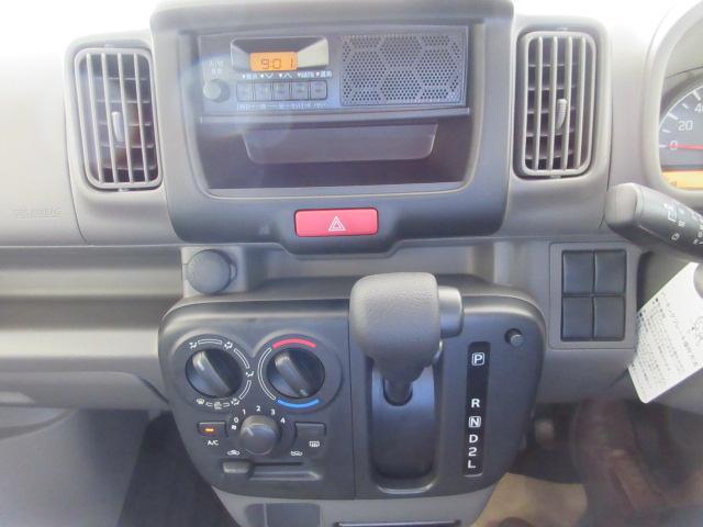 スズキ エブリイ PAリミテッド 4AT 登録済未使用 4WD