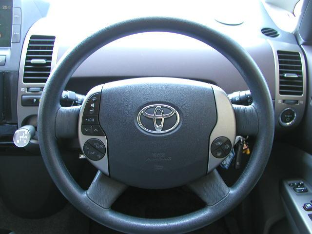 「トヨタ」「プリウス」「セダン」「富山県」の中古車12
