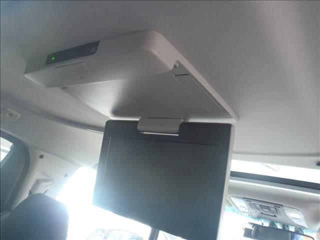 ハーフレザーシート!前席パワーシート!シートメモリー!電動パーキングブレーキ!AC100V!LEDヘッドライト&オートライト!LEDフォグランプ!ステアリモコン!ウッドコンビハン!メーカーOPカラー!
