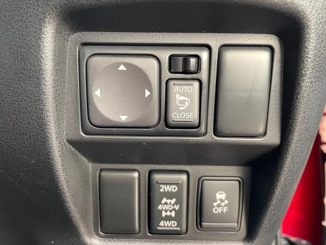 16GT FOUR パーソナライゼーション 4WD ターボ 純正メモリーナビ フルセグTV DVD再生 BT CD録音 ETC ドラレコ アラウンドビューモニター 本革シート シートヒーター HIDヘッド オートライト 横滑り防止 純正17AW(28枚目)
