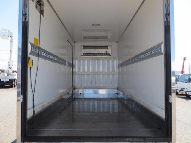 2t 冷蔵冷凍車ゲート付(10枚目)