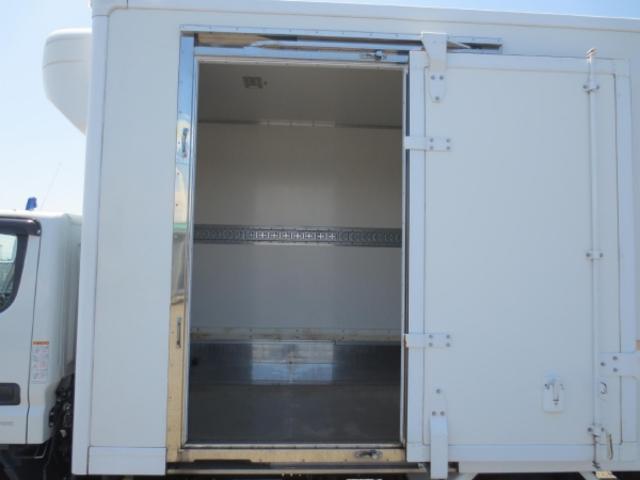 2t 冷蔵冷凍車ゲート付(11枚目)