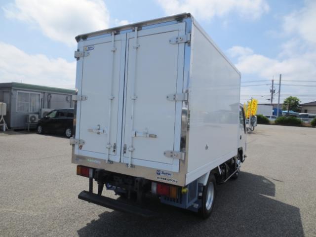 1.5t 冷蔵冷凍車(4枚目)