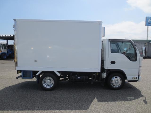 1.5t 冷蔵冷凍車(8枚目)