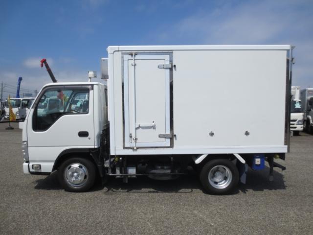 1.5t 冷蔵冷凍車(9枚目)